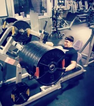 Getting my squat press on!
