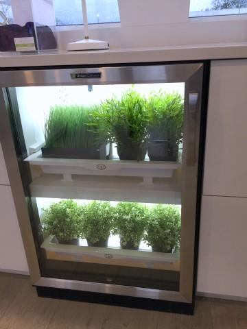 Smart kitchen hydroponics